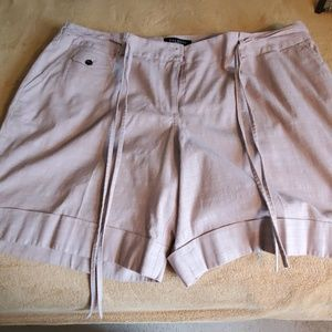 TALBOTS SHORTS WITH SELF TIE & 5 POCKETS